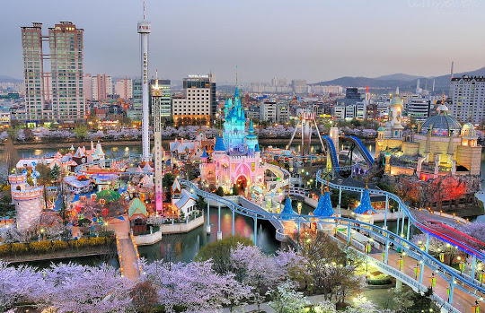 Lotte World Theme Park Beautiful Night