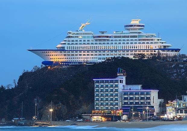 _Luxury_Cruise_shi_1745348a