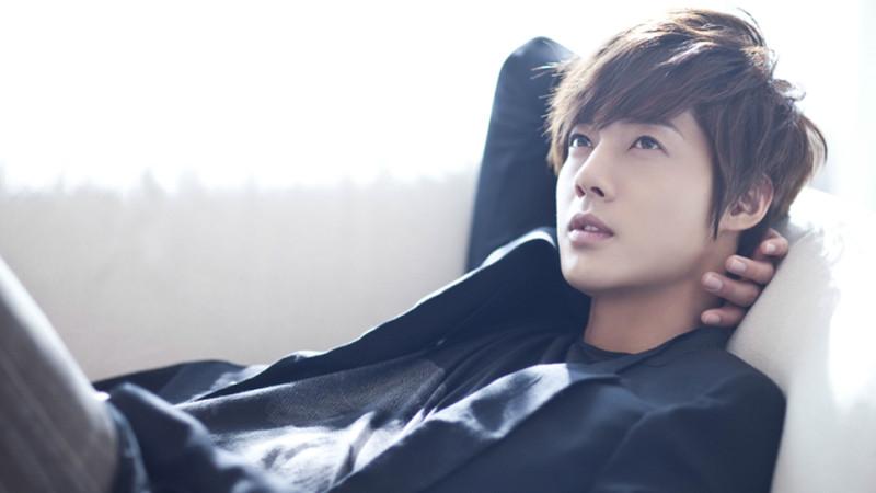 kim-hyun-joong-_-feat-800x450