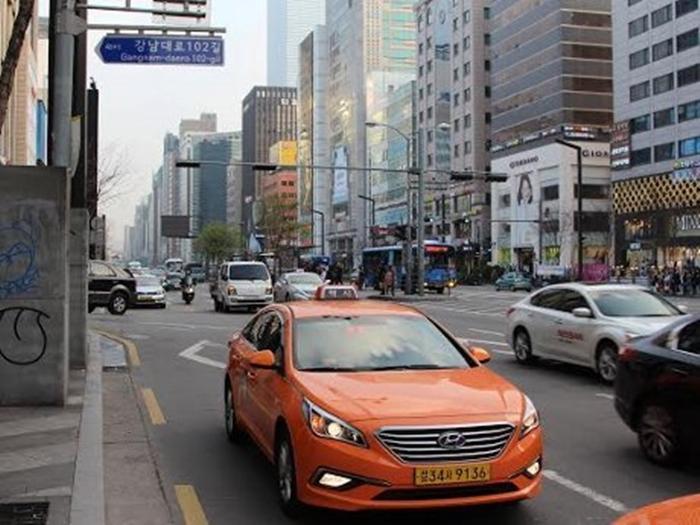 Mobil Jepang di Korea Selatan cov
